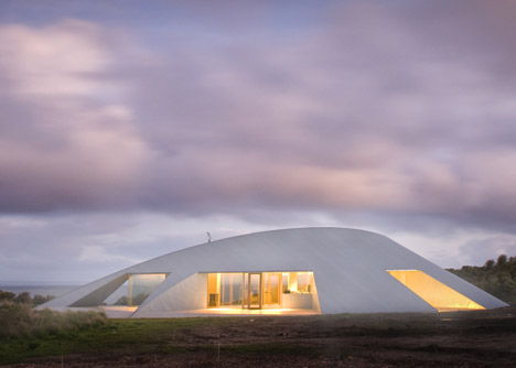 dezeen_Crofthouse-by-James-Stockwell_2