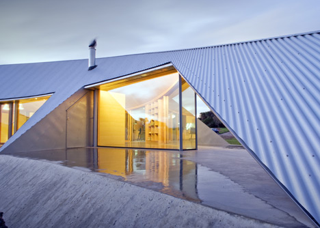 dezeen_Crofthouse-by-James-Stockwell_4 (1)