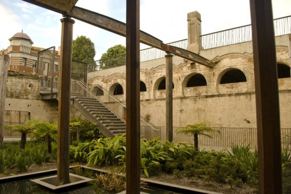Paddington_Reservoir_4763960120_1004x750